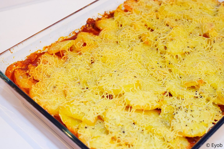 Ovenschotel met boontjes, gehakt en tomatensaus